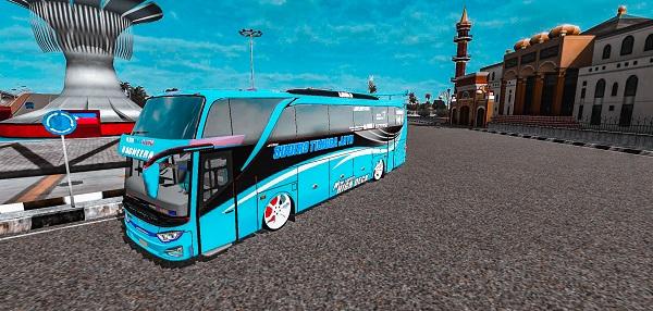 bus racing tercepat